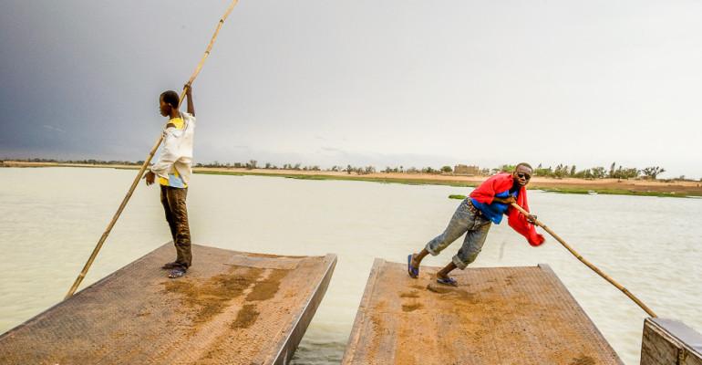 No és fàcil arribar a Djenne quan el riu està crescut. Daily Photo #299